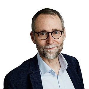 Tom Buk Sweinty som månedens forfatter